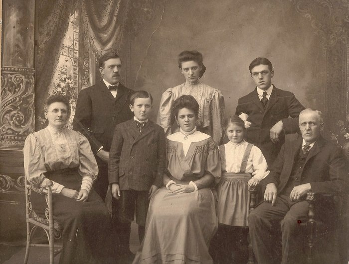 JAmes B. and Ada Marie Garland Worcester and family